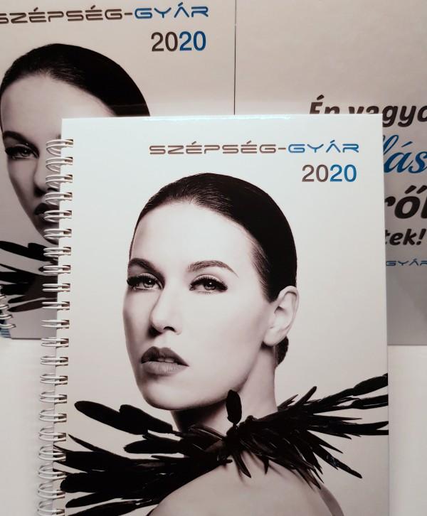 Szépség-gyár spirálozott naptár 2020